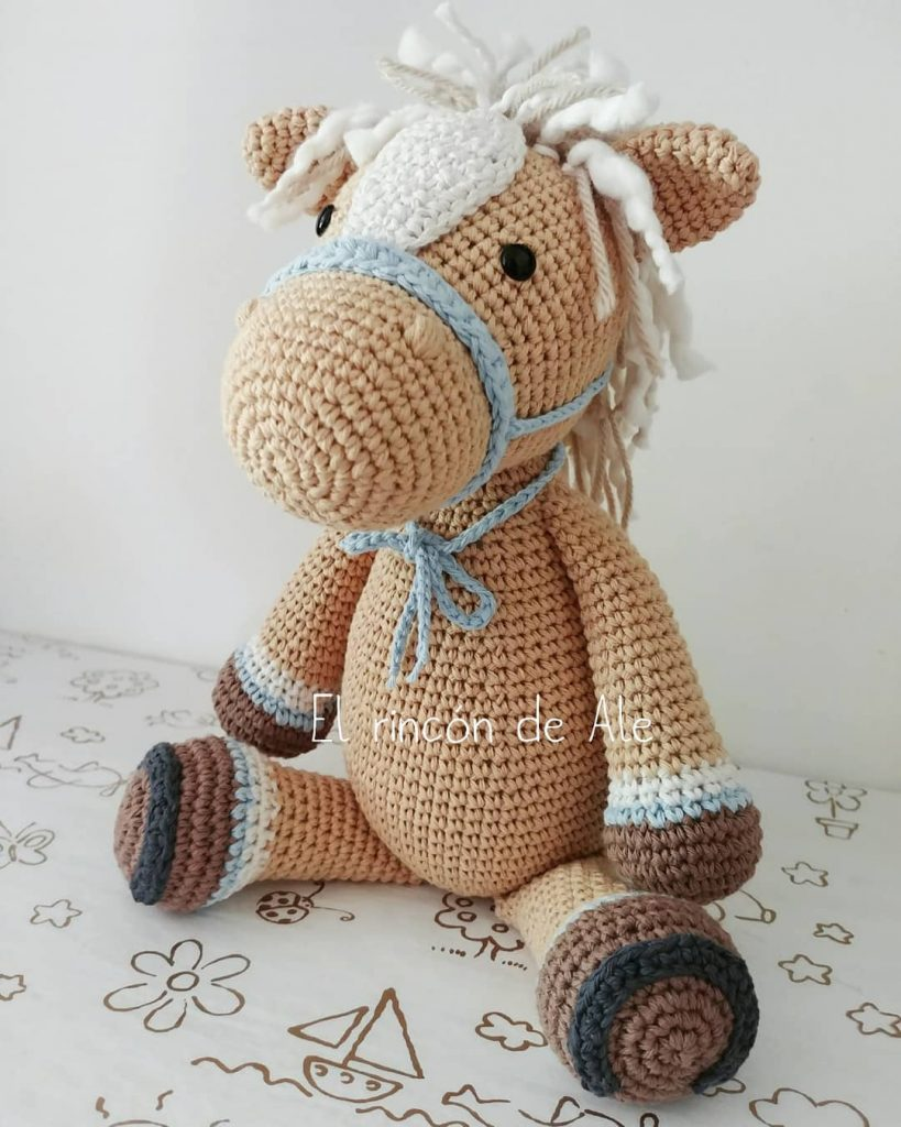 Filip the Horse amigurumi pattern - Amigurumipatterns.net | 1024x819
